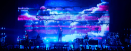 Panasonic illumina il palcoscenico per Bastille e The Human League